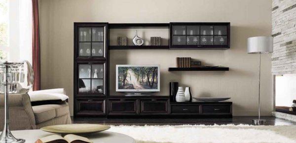 Мебель из темного дерева в стиле шебби-шик