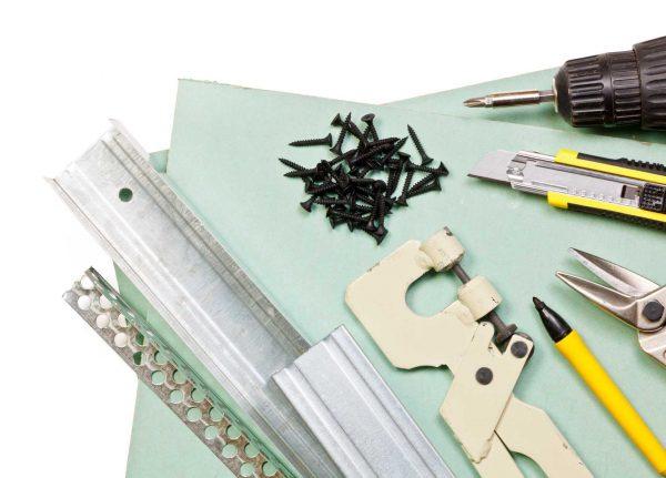 Материалы и инструменты для установки многоуровневого потолка из гипсокартона