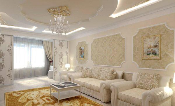 Дизайн потолка в белой гостиной