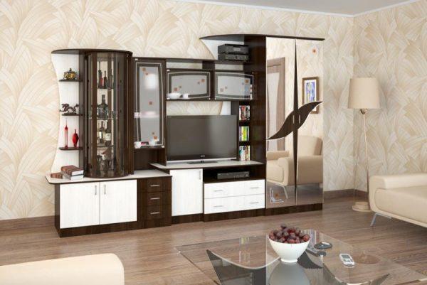 Шкаф для одежды и бар с зеркальной задней стенкой