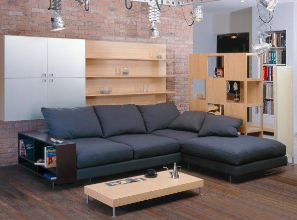 Простые и четкие линии дивана в стиле хай тек
