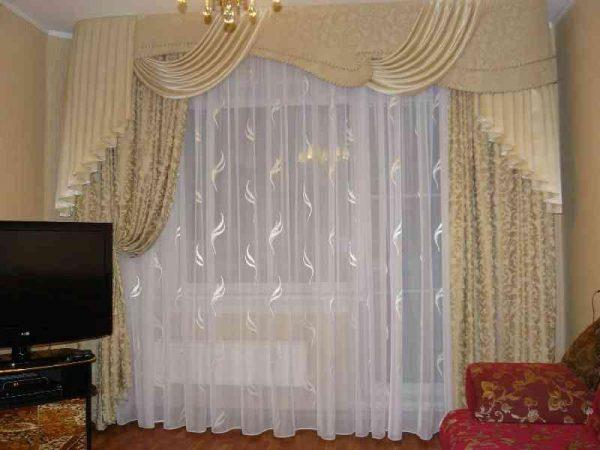 Дизайн тюли и штор в зал