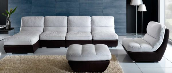 Угловой модульный диван для небольшой комнаты