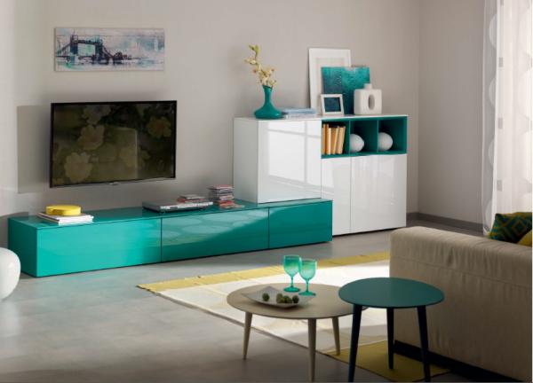 Яркая глянцевая мебель для гостиной