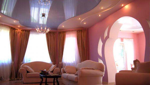 Двух уровневый натяжной потолок в гостиной
