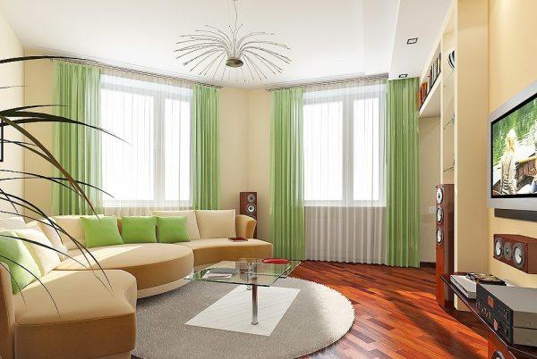 Гостиная с двумя окнами и угловым диваном