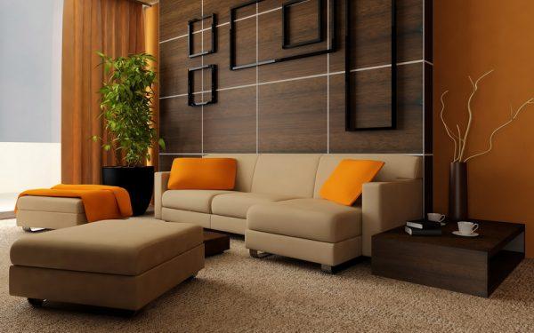 Бежевый диван в интерьере в гостиной