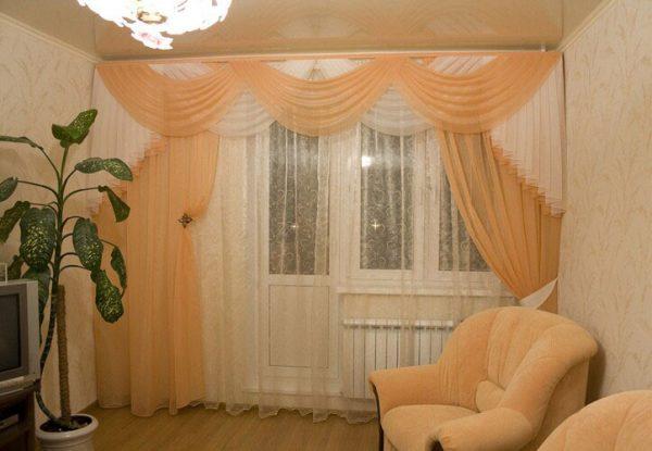 Тюль на балконную дверь