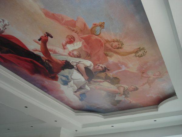 Имитация фрески на натяжном потолке