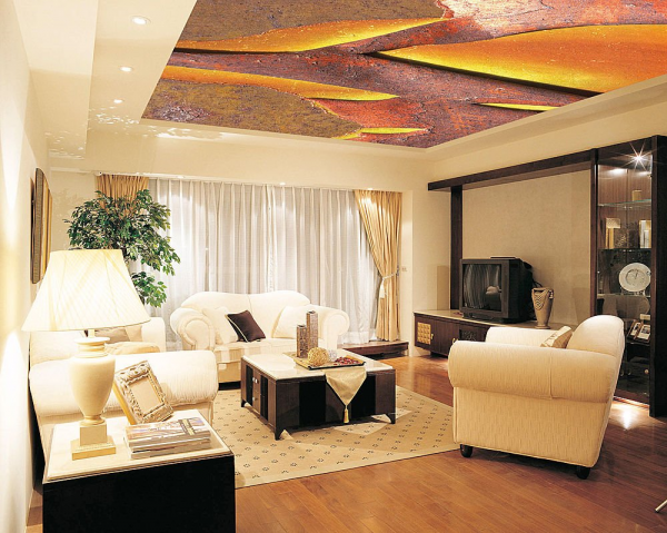 Дизайн натяжного потолка в небольшой гостиной