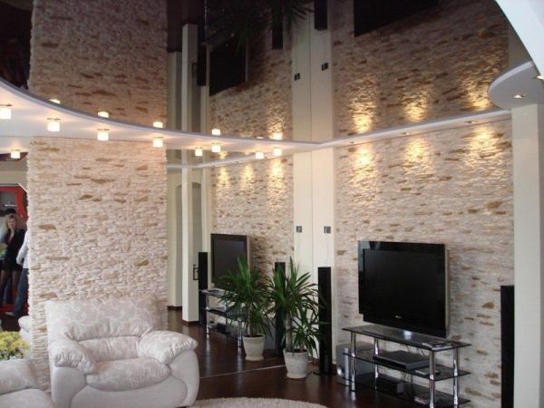 Подсветка для темного глянцевого потолка